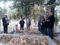 ALI ÖZDEMIR - Hisarcık'ta Öğretmenler Vefat Eden Öğretmenlerin Mezarlarını Ziyaret Etti