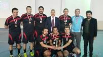 ARIF NIHAT ASYA - 'Öğretmenler Yarışsın, Dostluk Kazansın' Futsal Turnuvası Şampiyonu Arif Nihat Asya Ortaokulu Oldu
