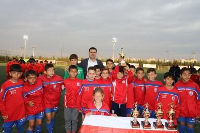 Çocuk Hakları Futbol Turnuvasının Şampiyonu Altınordu Oldu