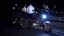FATIH YıLMAZ - Motosikletiyle Bariyerlere Çarpan Sürücü Yaralandı