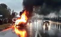 ANTALYA HAVALİMANI - Alev Topuna Dönen Araçtaki Patlamalar Korkuttu