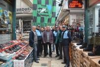 KOCAELISPOR - Esnaf İstedi, Başkan Hürriyet Çarşıya Kocaelispor Bayrağı Astı