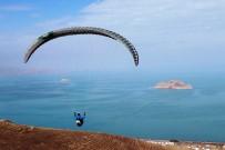 ÖLÜDENİZ - Gevaşlı Çocuklar Ve Gençler İlk Defa Paraşütle Uçtu