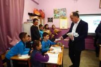 DIŞ MACUNU - İlkokul Öğrencilerine Diş Macunu Ve Fırçası Dağıtıldı