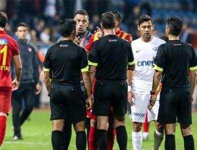 Süper Lig'de şok kavga! Oyucular birbirine girdi