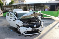 SERVERGAZI - Otobüs İle Otomobilin Çarpıştığı Kazada 7 Kişi Yaralandı