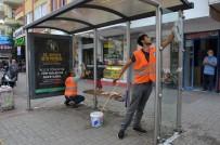 PAYALLAR - Alanya'da Otobüs Duraklarında Temizlik Çalışması