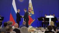 SOFYA - Bulgaristan'da Ajanlıkla Suçlanan STK Başkanına Rusya'da Devlet Nişanı Verildi