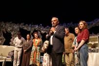 LEVENT ÜZÜMCÜ - Küçükçekmece'de Tiyatro Sezonu Açıldı