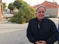 AHMET YILDIRIM - (Özel) Ağacın Altında Kalmaktan Saniyelerle Kurtuldu