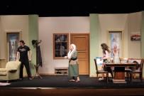 ŞAFAK SEZER - Şafak Sezer'den Tiyatrolar Boş Kalmasın Çağrısı