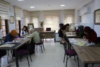 DINDAR - Yunusemre Belediyesi İle Tezhip Sanatını Öğreniyorlar