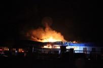 BEYKÖY - Düzce'de Fabrika Yangını