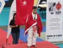 AHMET ERDEM - Talha Ahmet Erdem'den tarihi şampiyonluk