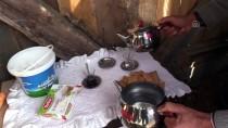 'Çocuklar Üşümesin' Diye Kulübe Yapılan Köyün Çamurlu Yolları Kumlanıyor