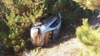 ALİ SUNAL - Pazarlar'da Trafik Kazası Açıklaması 3 Yaralı