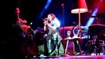 SEZEN AKSU - Deniz Seki Bursa'da Konser Verdi