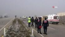 Panelvan Minibüs İle Çakıl Taşı Yüklü Kamyon Çarpıştı Açıklaması 3 Ölü, 2 Yaralı