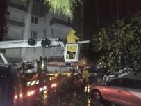 DAMPERLİ KAMYON - Büyükşehir'de Kırmızı Alarm Süresince Nöbette Kaldı