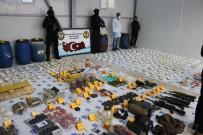 UZAKTAN KUMANDA - Diyarbakır'da Teröristlere Ait Cephanelik Ele Geçirildi Açıklaması 22 Gözaltı