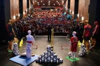 FATİH BELEDİYESİ - Fatih Belediyesinden Amatör Kulüplere Binlerce Spor Malzemesi Desteği