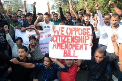 Hindistan'da Vatandaşlık Yasası Kaosu Büyüyor