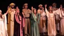 İSKENDER PALA - Ankara Devlet Tiyatrosu Malatya'da 'Leyla İle Mecnun' Oyununu Sahneledi