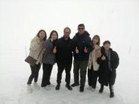 GÜNEY KORELİ - Antalya Kemer Tahtalı'da Kar Keyfi
