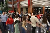 HÜSEYIN YıLMAZ - PAÜ'de Yabancı Uyruklu Öğrenciler Yemeklerini Tanıtıp 'Zeybek' Onadı