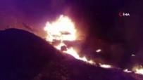 BELUCISTAN - Petrol Yüklü Pikap Otobüsle Çarpıştı Açıklaması 15 Ölü