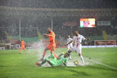Süper Lig Açıklaması  Alanyaspor Açıklaması 0 - Antalyaspor Açıklaması 0 (İlk Yarı)