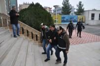 DEVLET MEMURU - Vatandaşları 'Memur' Yapma Vaadiyle Dolandıran Zanlı Yakalandı