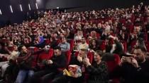 MUSTAFA ÜSTÜNDAĞ - Hollanda'da 'Aman Reis Duymasın' Filminin Galası Yapıldı