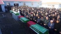 Kırşehir'de Trafik Kazasında Ölen Baba Ve 3 Çocuğu Defnedildi