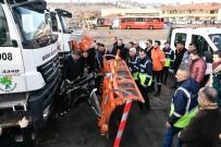 DAMPERLİ KAMYON - Mamak Belediyesi Hizmet Filosuna 52 Yeni Araç