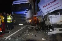 VEYSEL KARANI - Antalya'da Feci Kaza Açıklaması 1 Ölü, 1 Yaralı