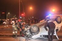 YEDIKULE - 'Dur' İhtarına Uymayan Otomobil Polis Aracının Kaza Yapmasına Neden Oldu Açıklaması 2 Yaralı