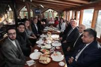 SÜLEYMAN ÖZDEMIR - Rektör Özdemir MYO Öğrencileriyle Kahvaltıda Buluştu