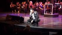 OLGUN ŞİMŞEK - Emre Altuğ, Sanat Hayatının 20. Yılını Konserle Kutladı