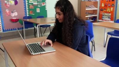 Erbil'deki Maarif Okulu Öğrencileri AA'nın 'Yılın Fotoğrafları' Oylamasına Katıldı