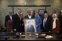 Başkan Büyükkılıç, İlçe Belediye Başkanlarıyla Birlikte İncesu Belediye Başkanı İlmek'i Ziyaret Etti