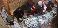 KEMERALTı - Çaldı, Giderken 'Kolyeleri Alacağım' Deyip Bir De Para Bıraktı