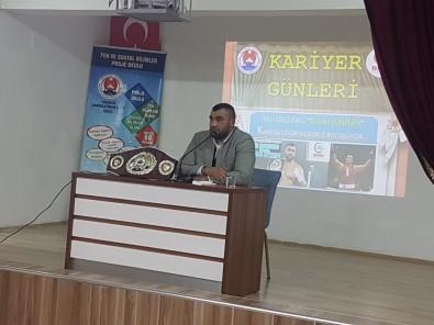 Milli Boksör Demirezen, İHL Öğrencileri İle Buluştu