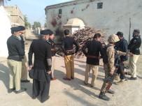 ÇOCUK FELCİ - Pakistan'da Canlı Bomba Saldırısı Açıklaması 1 Ölü