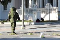 BOMBA İMHA UZMANI - Şüpheli Çanta Fünye İle Patlatıldı
