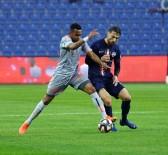 ROBİNHO - Ziraat Türkiye Kupası Açıklaması Medipol Başakşehir Açıklaması 0 - Hekimoğlu Trabzon FK Açıklaması 0 (İlk Yarı)