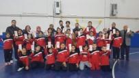 TÜPRAŞ - Çocuklar Antremanda Veliler Kan Bağışında