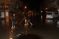 AFAD - İskenderun'da Sağanak Yağmur Hayatı Felç Etti