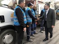 HÜSEYIN KESKIN - Sultanbeyli'de Mobil Belediye Saha Ekipleri Sokak Sokak Tüm Sahada