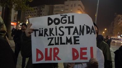 Doğu Türkistan'da Kültürel Seviyeyi Yükseltme Adı Altındaki Kamplarda Acı Sürüyor!